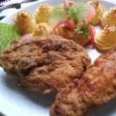 Fokhagymás csirkecomb rántva hercegnő burgonyával