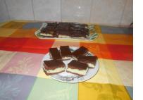 Tejfölös -pisztácia pudingos sütémény